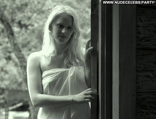 Elina Pahklimagi White Robe Celebrity Breasts Big Tits Sauna Posing