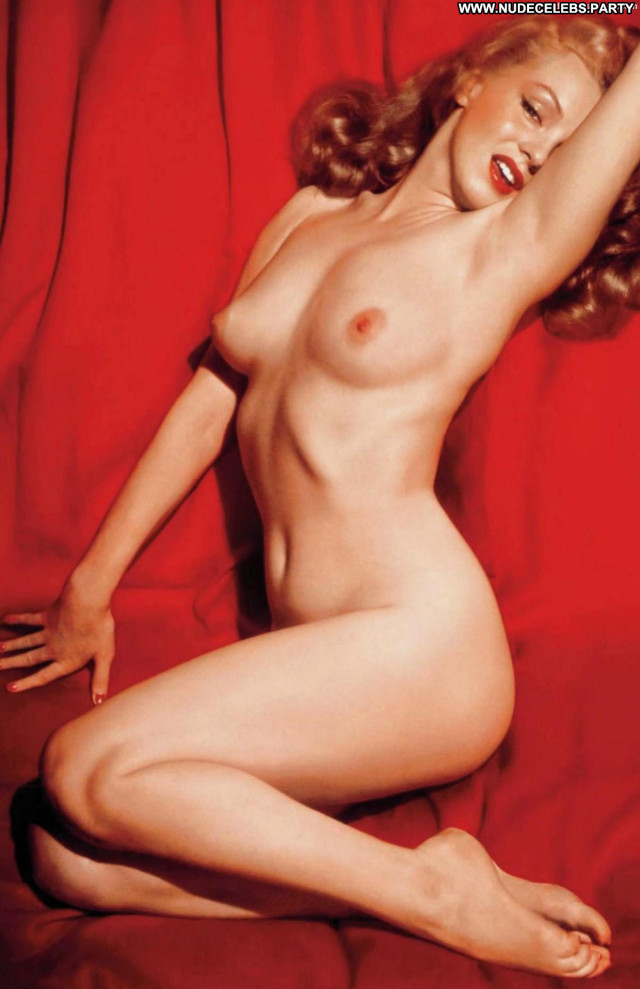 Marilyn Monroe Cover Girl Nude Beautiful Celebrity Posing Hot