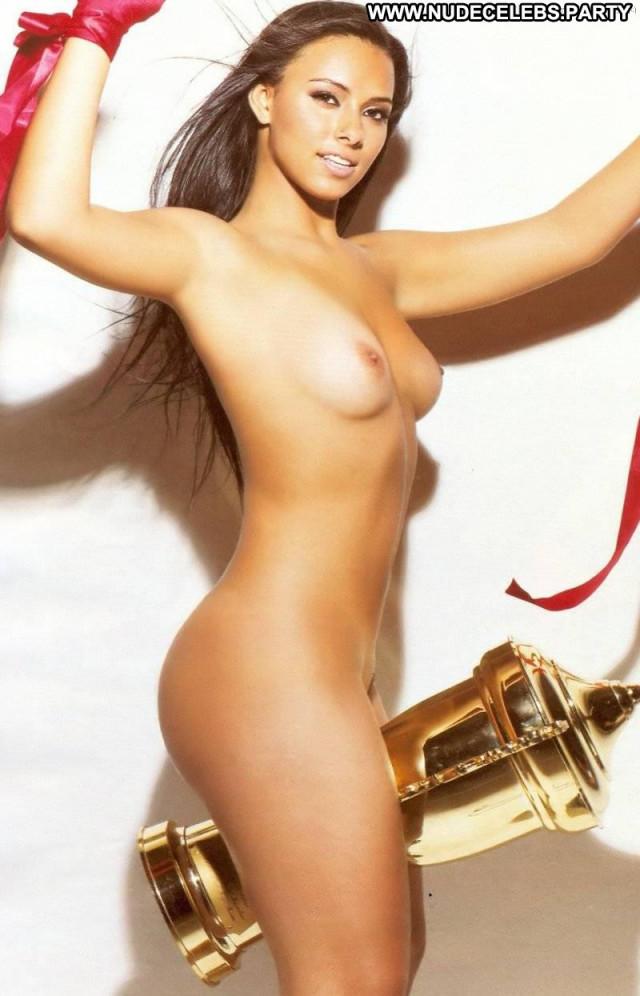 Leticia Carlos The Girl Posing Hot Car Legs Brazil Beautiful Nude Bra