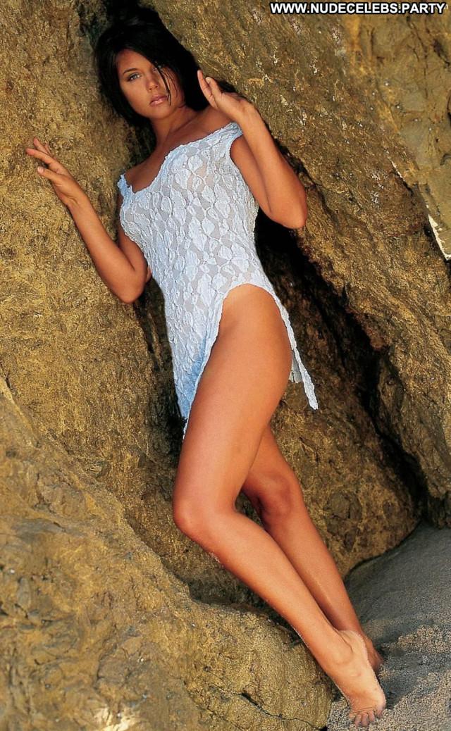 Tiffani Amber Thiessen One Day Car Cheerleader Topless Toples Big