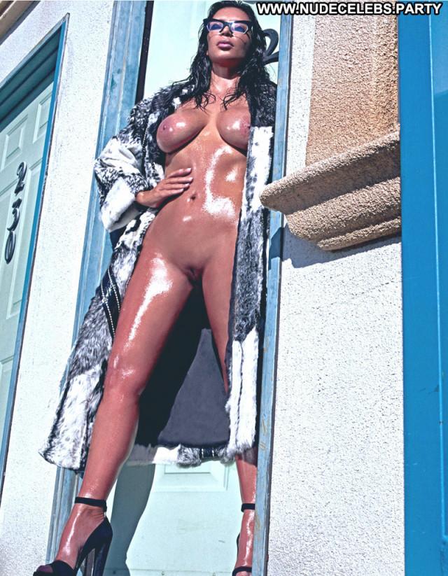 Kim Kardashian West Live Shaved Pussy Beautiful Perfect Nude Reality