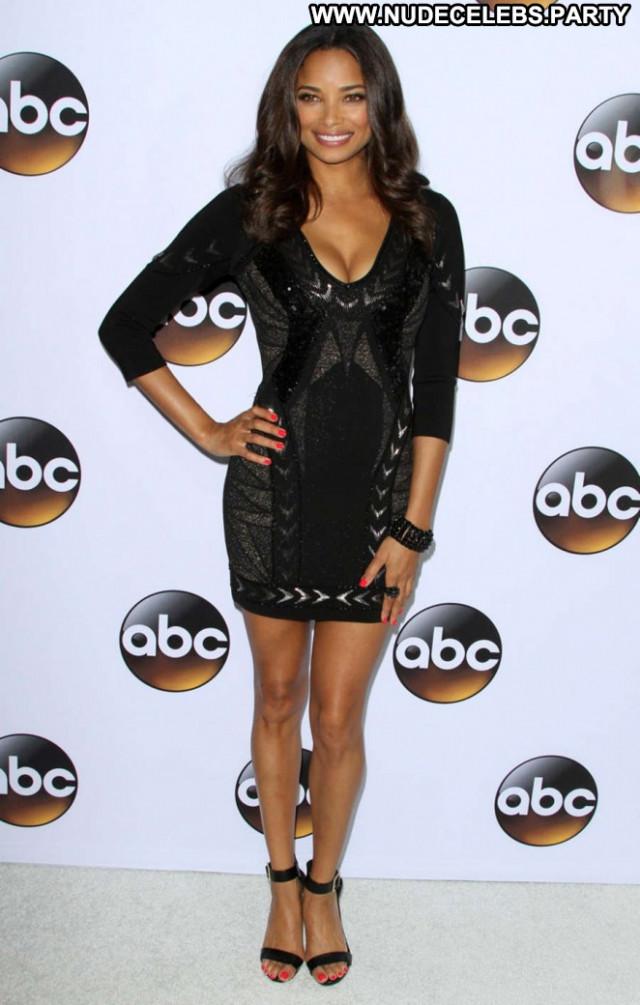 Rochelle Aytes Beautiful Babe Paparazzi Winter Celebrity Posing Hot