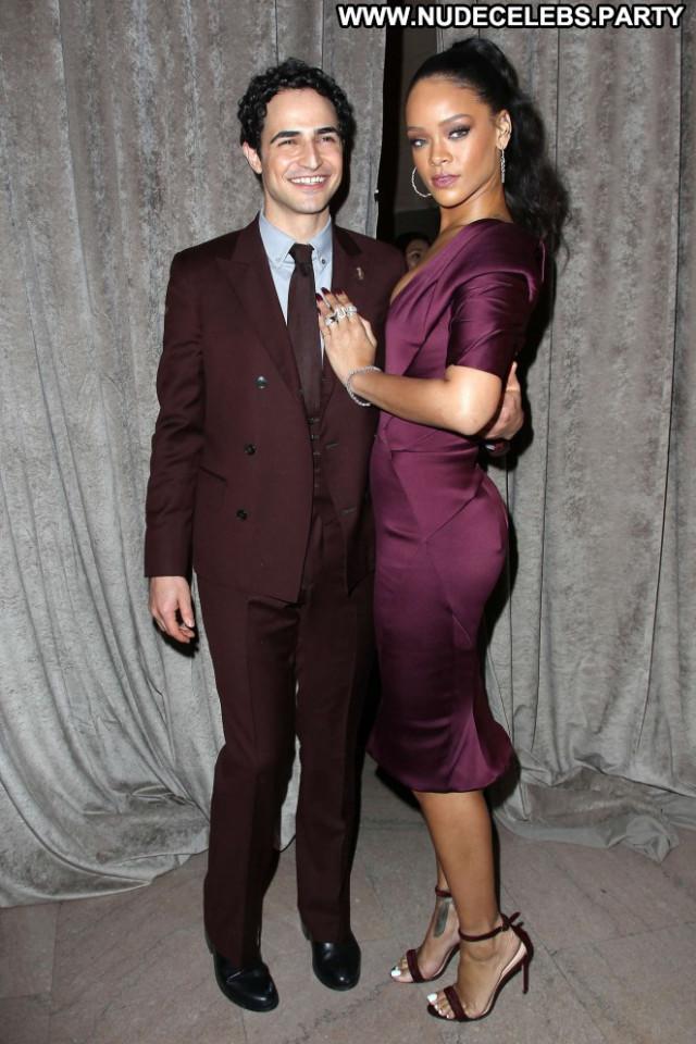 Rihanna Fashion Show Celebrity Beautiful Babe Posing Hot Fashion Nyc
