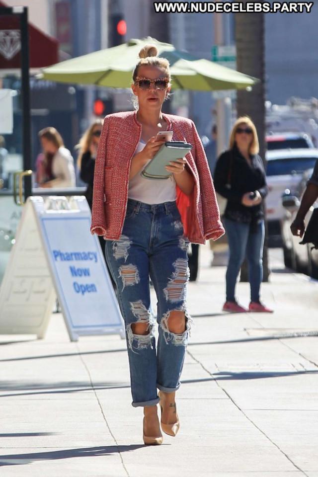 Yvonne Strahovski Beverly Hills Babe Jeans Shopping Posing Hot