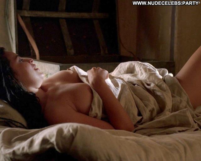 Zuleikha Robinson No Source  Posing Hot Beautiful Babe Breasts Big