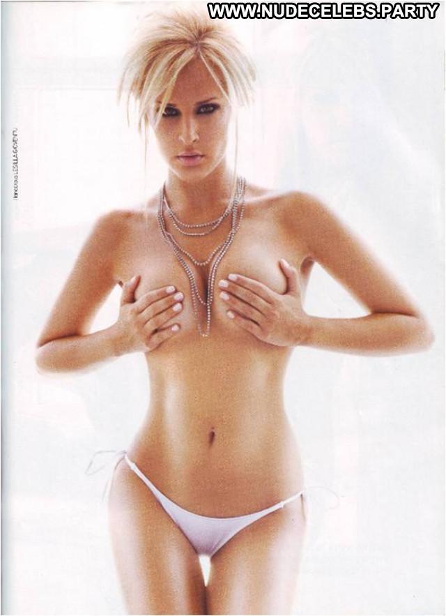 Photos No Source Beautiful Posing Hot Bra Babe Chick Celebrity Tits