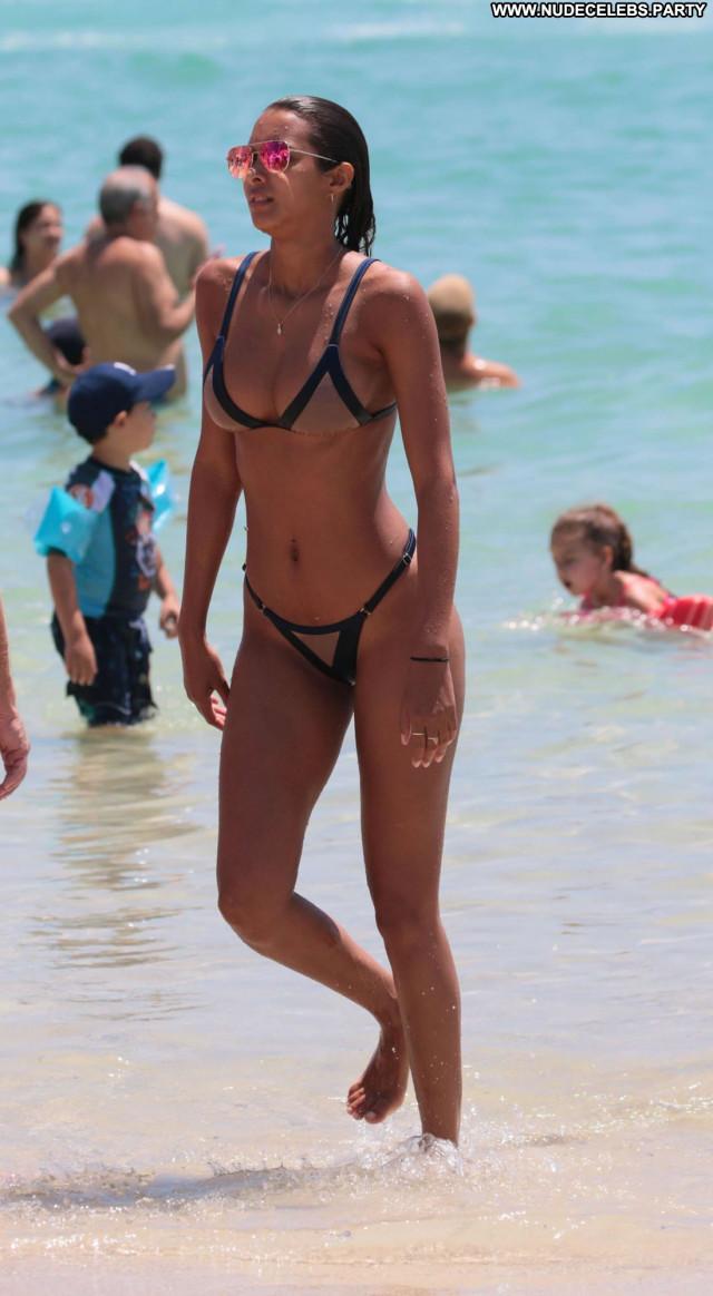 Sara Jean Underwood Los Angeles Booty Celebrity Bikini Babe Los
