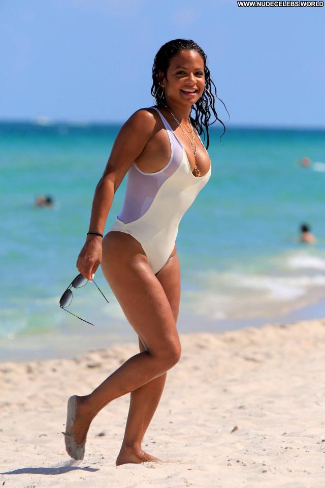 Paris Hilton About Time Posing Hot Beach Bikini Uk American Babe Sex