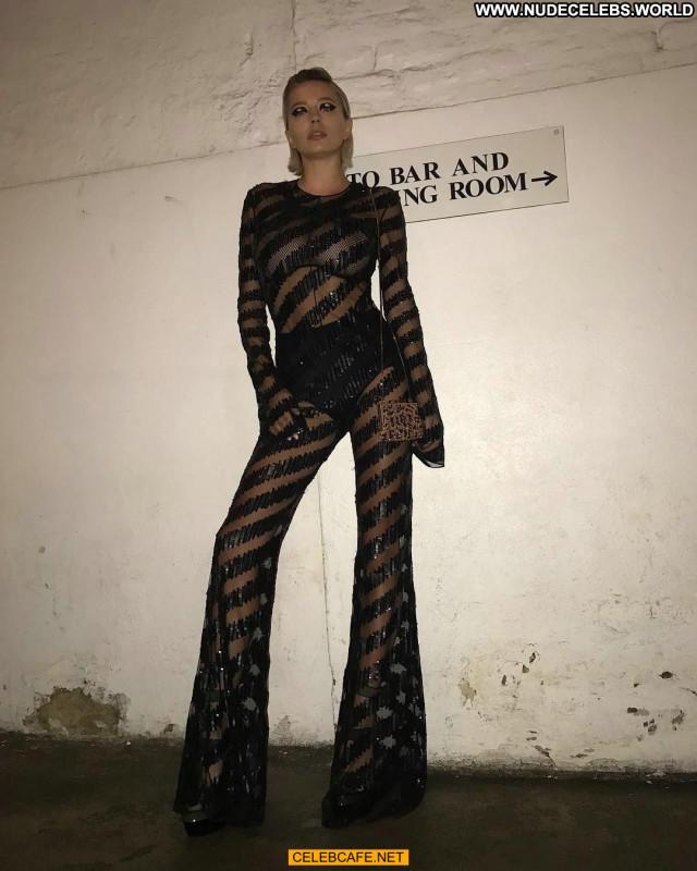 Caroline Vreeland No Source See Through Fashion Car Babe Celebrity