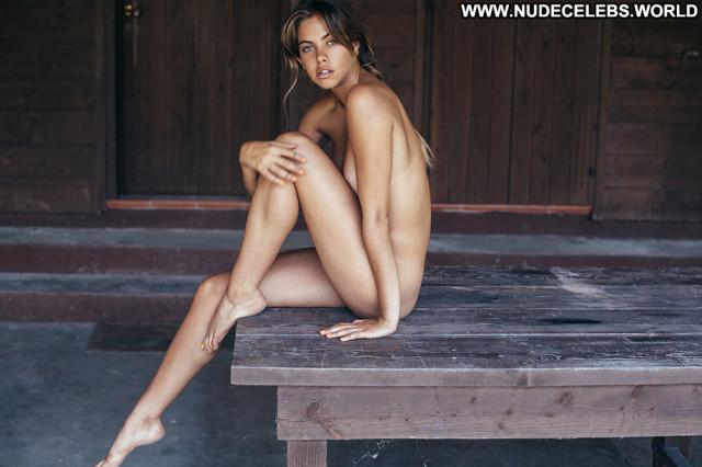Mimi Elashiry Emanuele Ferrari Legs Summer Toples Bar Topless