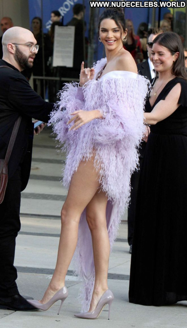 Kendall Jenner No Source Beautiful Paparazzi Awards Babe Celebrity