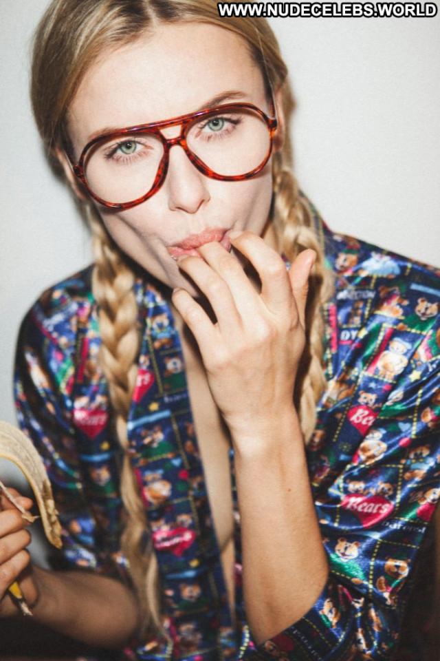 Anissa Kate Anna Nicole Leaked Bar Singer Hat Sexy Latvian Mali Babe
