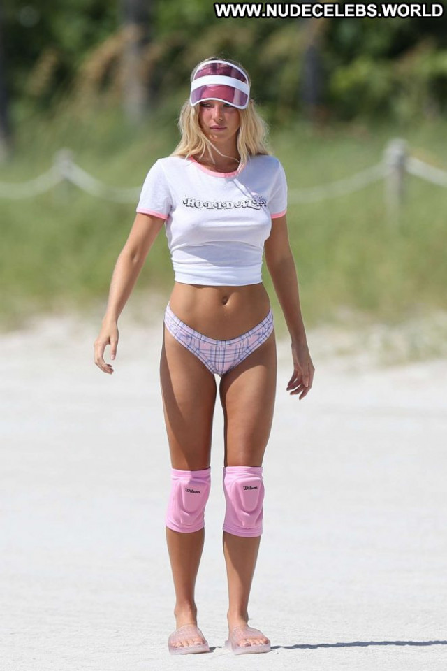 Baskin Champion The Beach Celebrity Photoshoot Volleyball Babe Posing