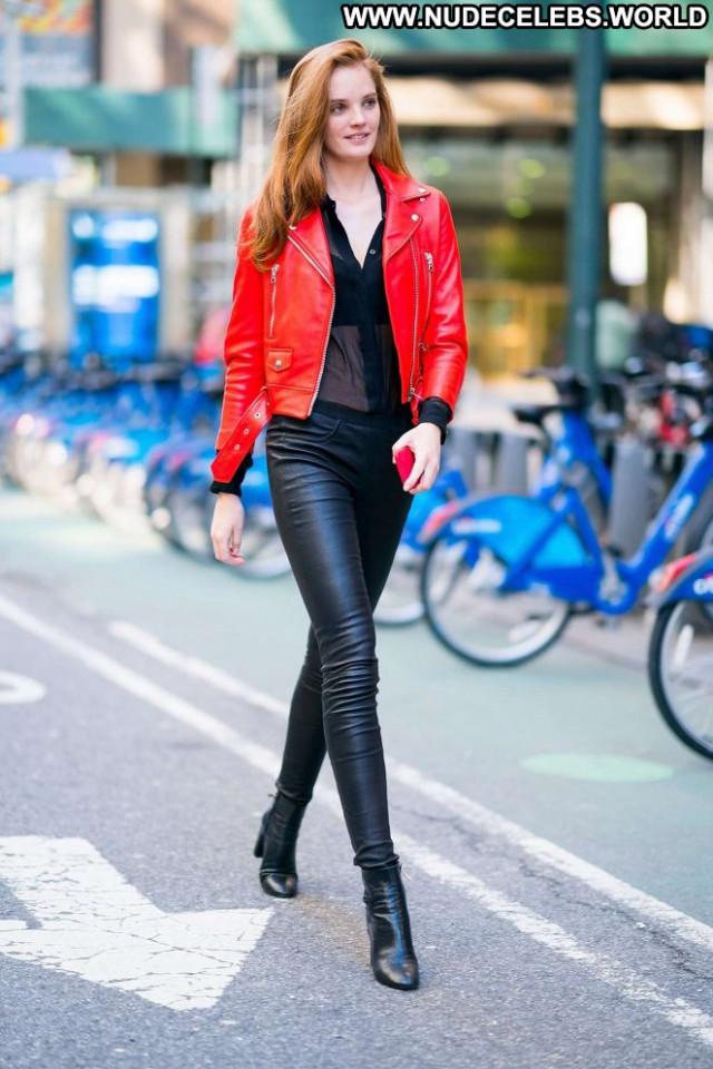 Alexina Graham Fashion Show Posing Hot Babe Fashion Paparazzi