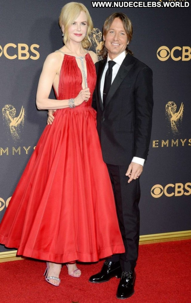 Nicole Kidman Primetime Emmy Awards Posing Hot Beautiful Babe Angel