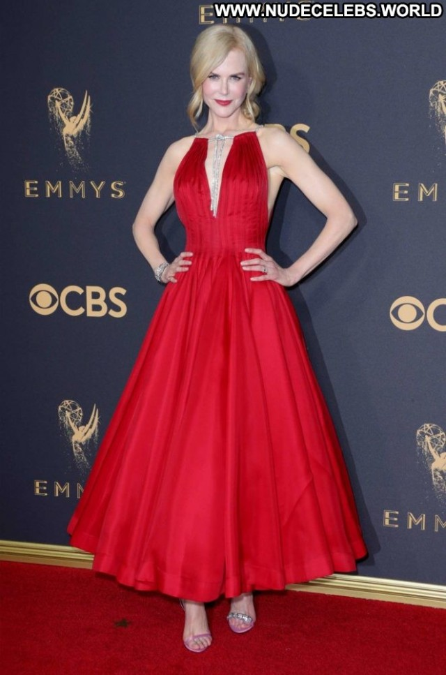 Nicole Kidman Primetime Emmy Awards  Posing Hot Angel Paparazzi
