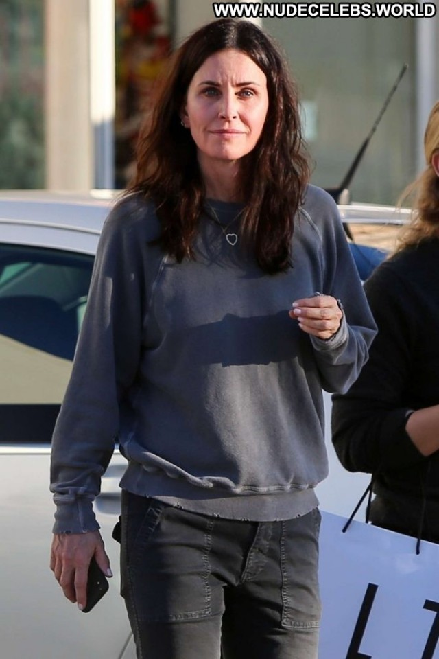 Courteney Cox No Source Paparazzi Posing Hot Mali Babe Beautiful