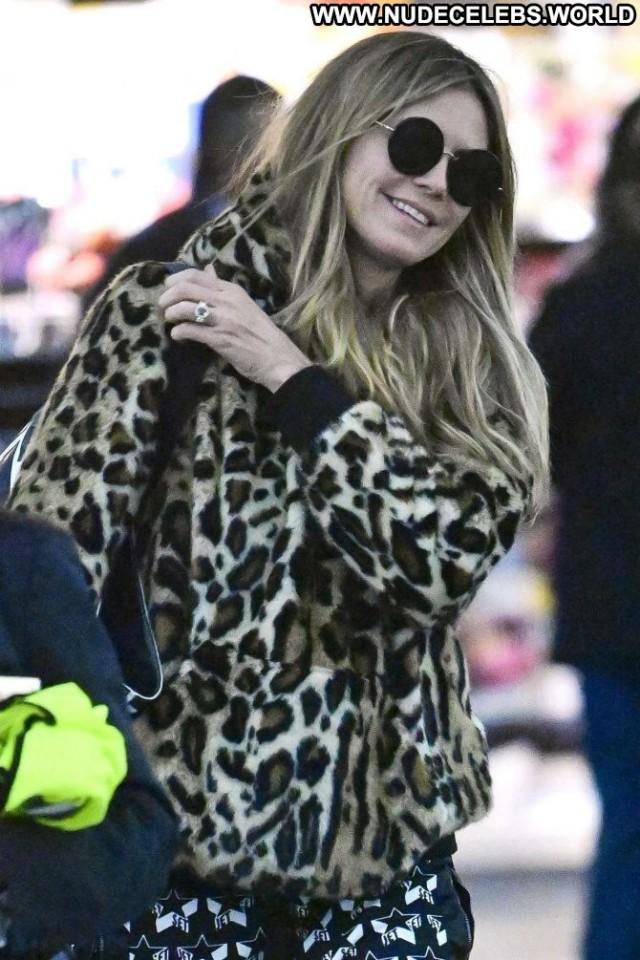 Heidi Klum New York  Posing Hot Hotel Celebrity Babe Beautiful