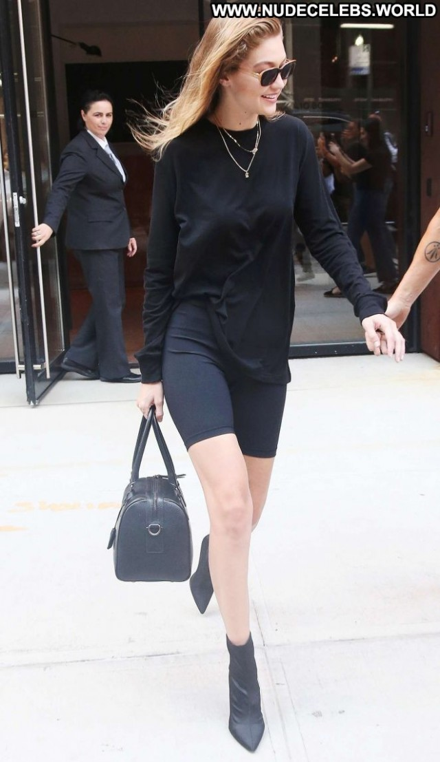 Gigi Hadid New York Posing Hot New York Babe Celebrity Beautiful