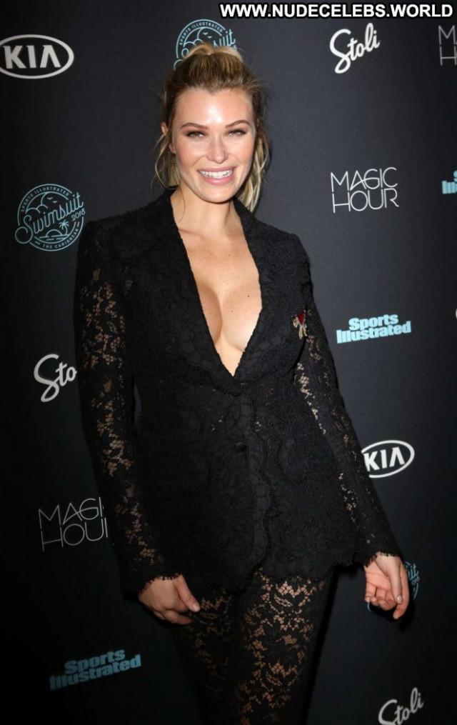Samantha Hoope Sports Illustrated Swimsuit Swimsuit Sports Celebrity