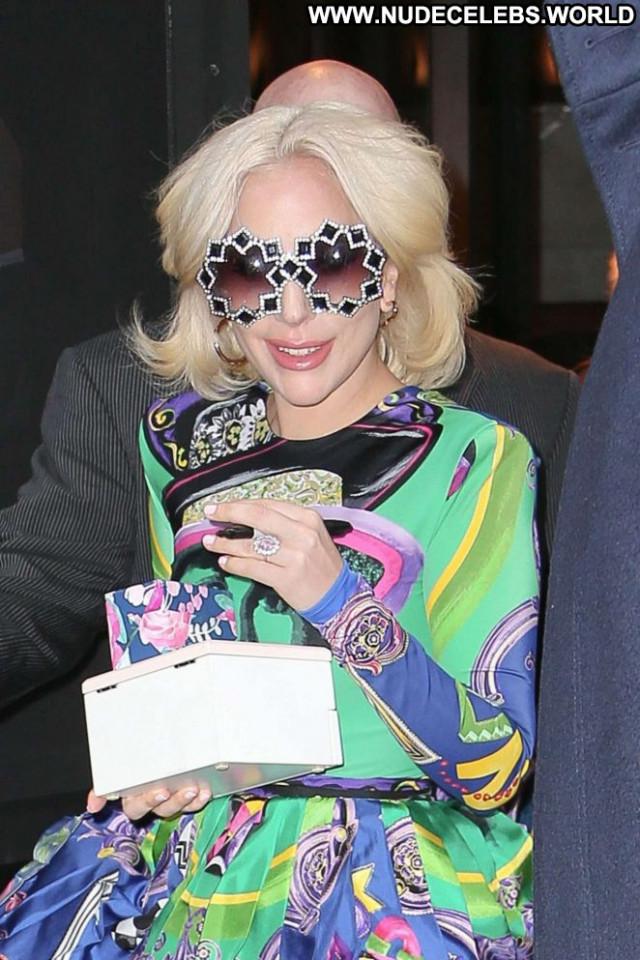 Lady Gaga No Source Posing Hot Babe Paparazzi Beautiful Nyc Celebrity