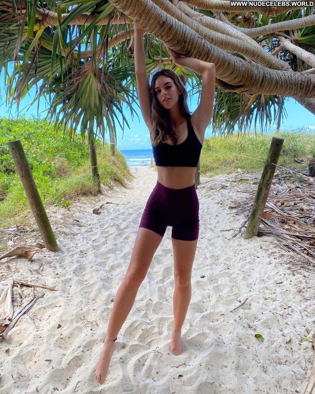 Emily Feld No Source  Babe Celebrity Beautiful Posing Hot Sexy
