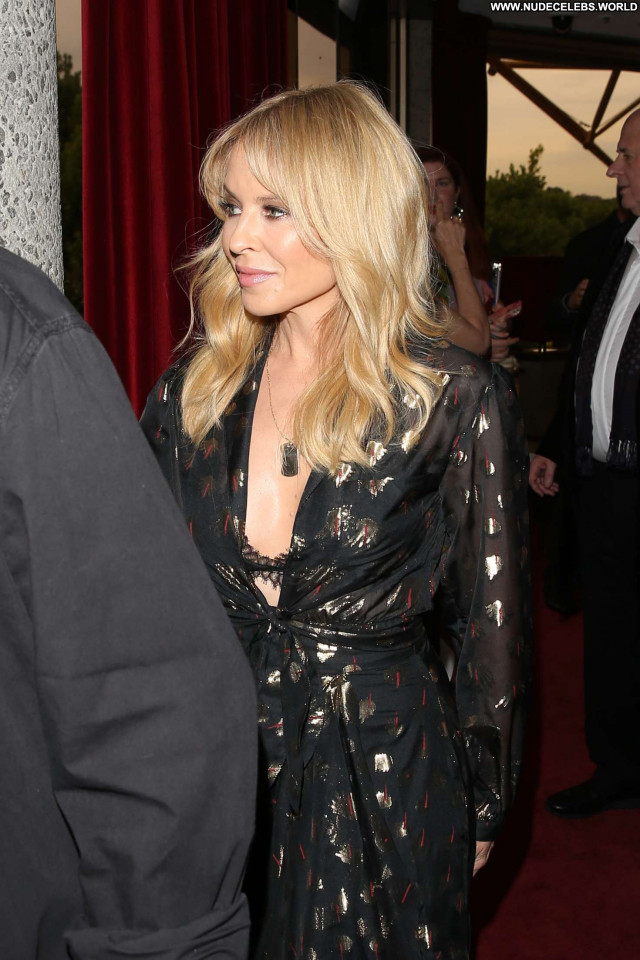 Kylie Minogue No Source Paparazzi Posing Hot Beautiful Celebrity Babe
